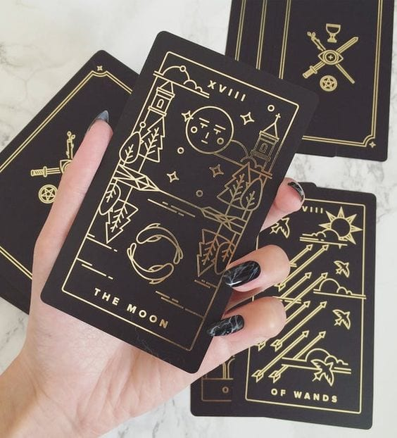 10 Beginner Tarot Mistakes to Avoid