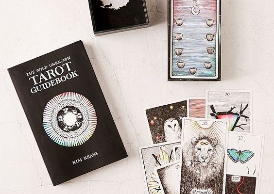 7 Ways to Cleanse and Clear a Tarot Deck