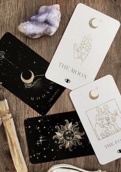101+ Effective Questions To Ask The Tarot Cards